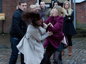 Corrie, Carla and Leanne fight, Wed 12 Dec 2012