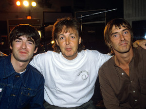Paul McCartney, Noel Gallagher, Ian Brown record 'Help' album for War Child in 1995.