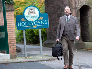Hollyoaks, Seamus Brady arrives, Thu 20 Dec 2012
