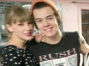 Harry Styles and Taylor Swift twitter pic