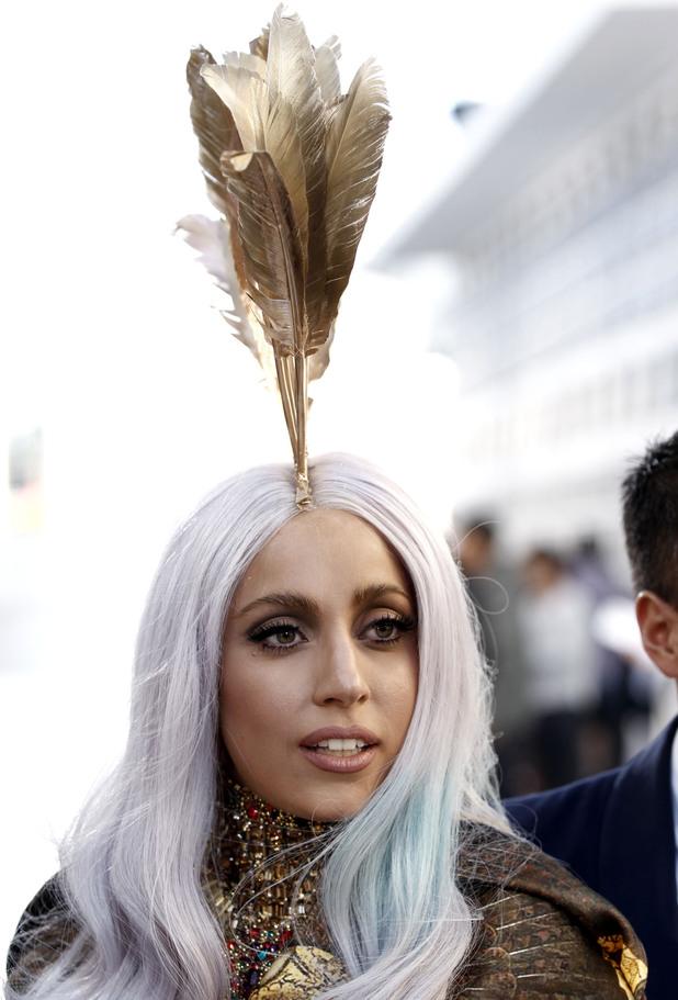 Lady Gaga, feathers, MTV Video Music Awards