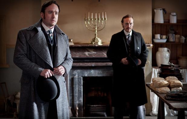 'Ripper Street' Episode 2: Edmund Reid (MATTHEW MACFADYEN), Bennet Drake (JEROME FLYNN)