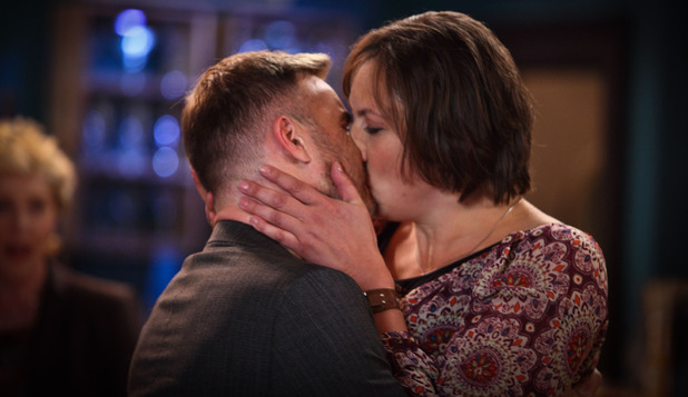 Gary Barlow makes a guest apperance in 'Miranda' series 3