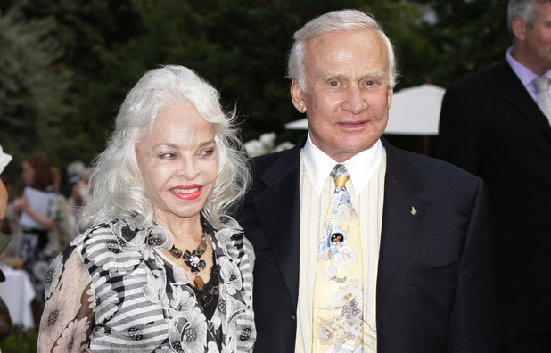 Buzz Aldrin and his wife Lois Driggs Cannon