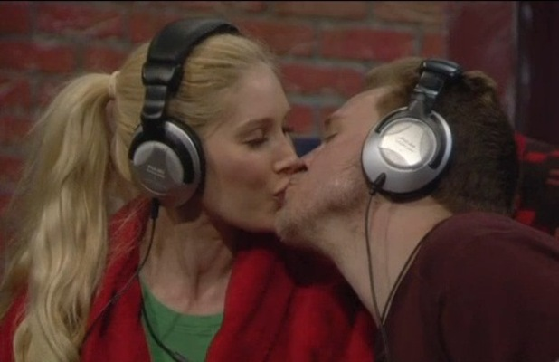 Heidi Montag and Spencer Pratt kiss
