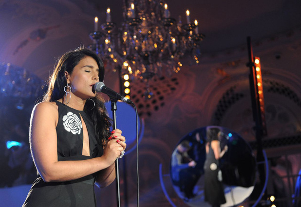 Jessie Ware performing
