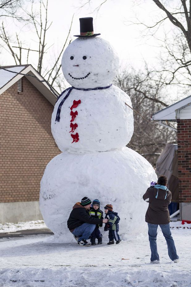 Super Sized Snowman Built In Ontario