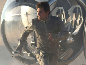 Tom Cruise in &#39;Oblivion&#39; still