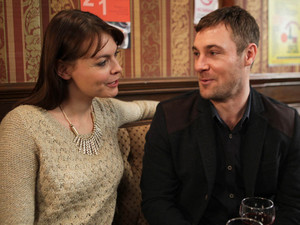 8051: Tracy accepts Robs offer of a date and dares him to give her a job over lunch