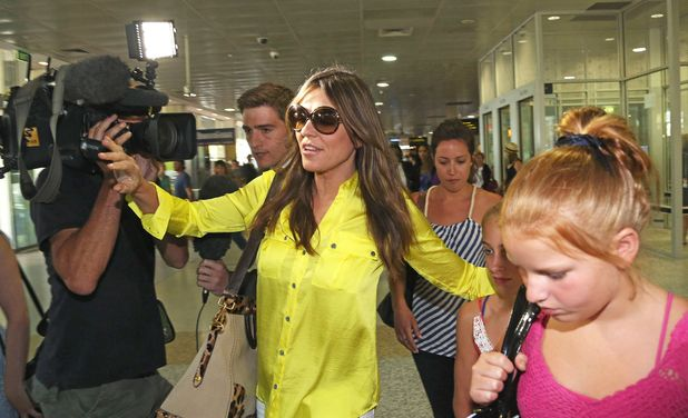 Liz Hurley, Shane Warne, Tullamarine Airport, Melbourne