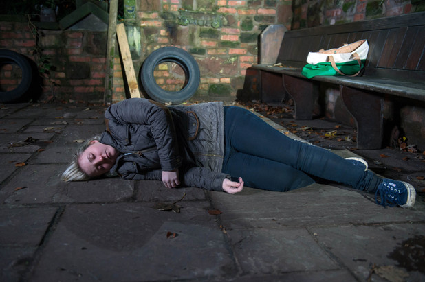 Hollyoaks, Esther tries to commit suicide, Mon 21 Jan