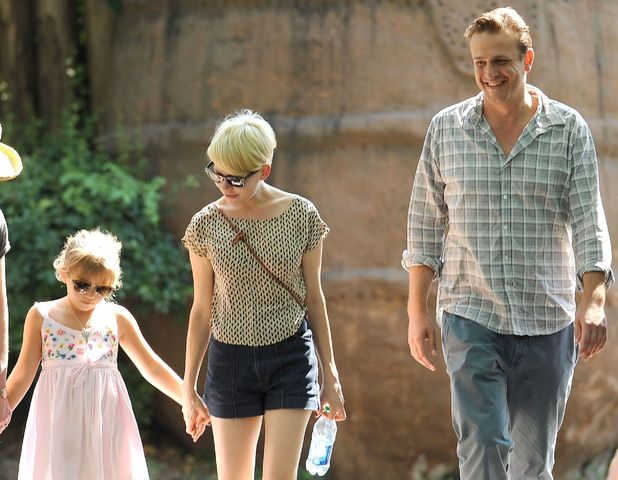 Matilda Ledger, Michelle Williams and Jason Segel on a trip to the Bronx Zoo, August 2012