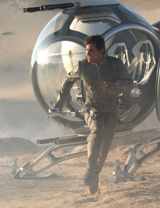 Tom Cruise in 'Oblivion' still