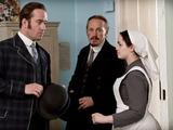 Ripper Street S01E04: Edmund Reid (MATTHEW MACFADYEN), Bennet Drake (JEROME FLYNN)