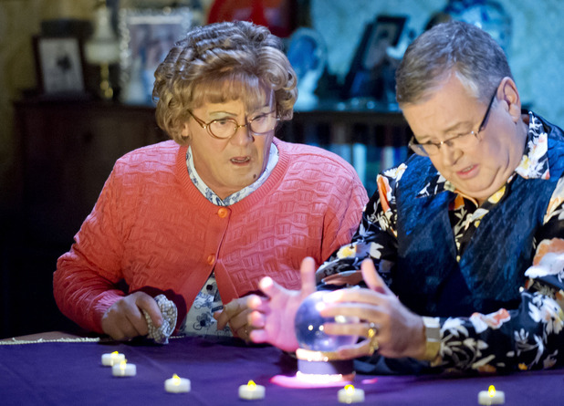 Mrs Brown's Boys - series 3 episode 4: Agnes Brown (Brendan O'Carroll) consults a psychic (Joe Duffy)