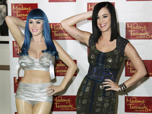 Katy Perry, right, poses with her new wax figure for Madame Tussaud's Las Vegas at Paramount Studio