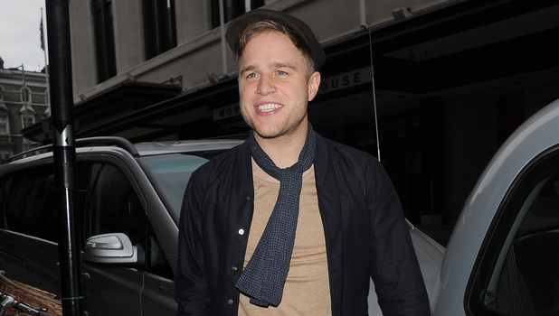 Miss Mode: Olly Murs arrives at the Sony Music offices London, England - 13.11.12 Mandatory Credit: Will Alexander/WENN.com