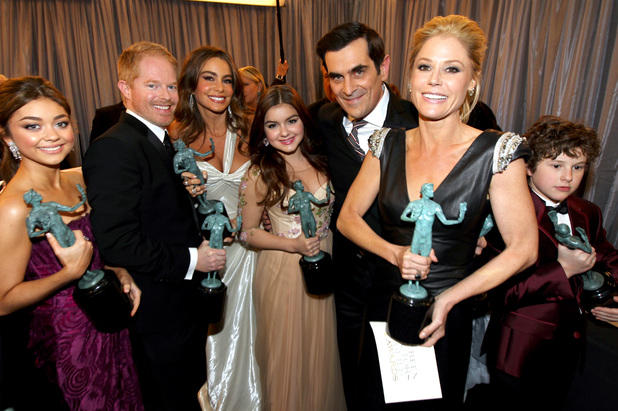 The cast of 'Modern Family' backstage at the SAG Awards 2013