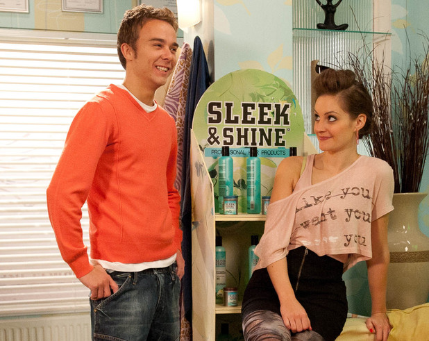 8055: As David Platt [JACK P SHEPHERD] and Kylie Platt [PAULA LANE] bemoan their housing situation Audrey offers them a surprise proposition. The couple are thrilled but how will Gail react to the plan which could see her pushed out of her own home!