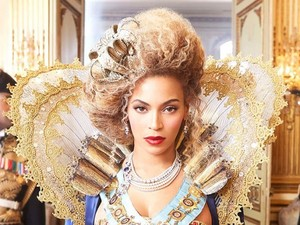 Beyoncé 'Mrs Carter Show' world tour image.