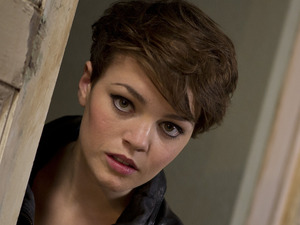 Being Human S05E02: 'Sticks and Rope' - Alex (KATE BRACKEN)