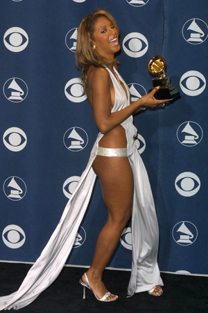 Toni Braxton, Grammy Awards 2001, revealing dress, daring dress