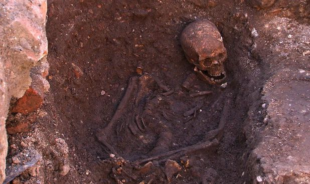 Richard III, skeleton, Leicester