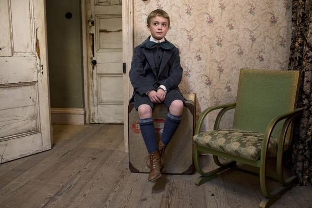 Oliver (BENJAMIN GREAVES-NEAL)