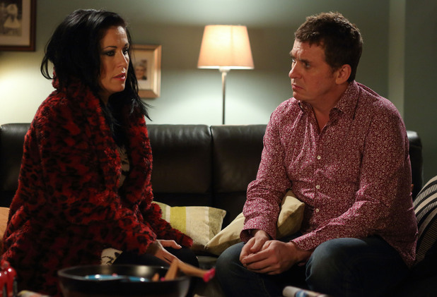 Alfie tells Kat he wants a divorce.