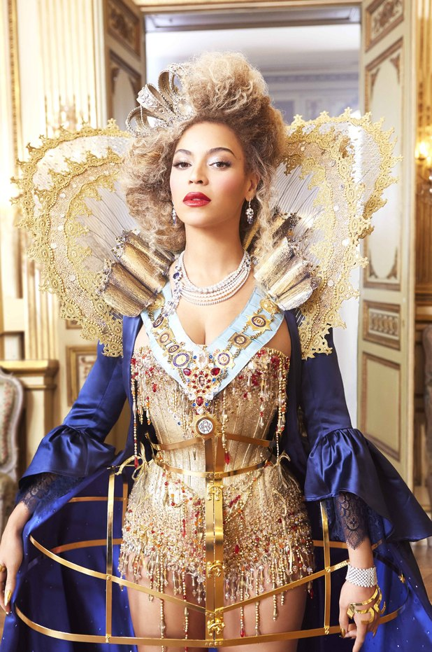 Beyonce - Mrs. Carter world tour promotional photo