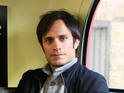 The series stars Gael Garcia Bernal, Saffron Burrows, Lola Kirke and Peter Vack.