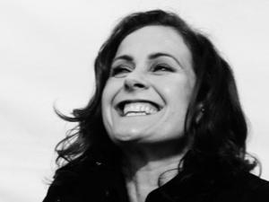 Alison Moyet press shot 2013.