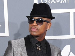 Grammy Awards 2013 red carpet: Ne-Yo