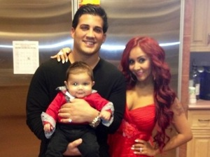 Jersey Shore's Snooki spends Valentine's Day with Jionni and son Lorenzo - 14 Feb 2013