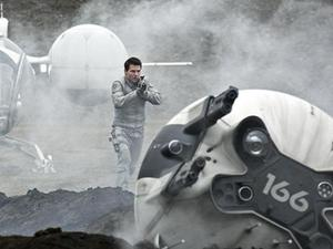 Tom Cruise in 'Oblivion' (2013)