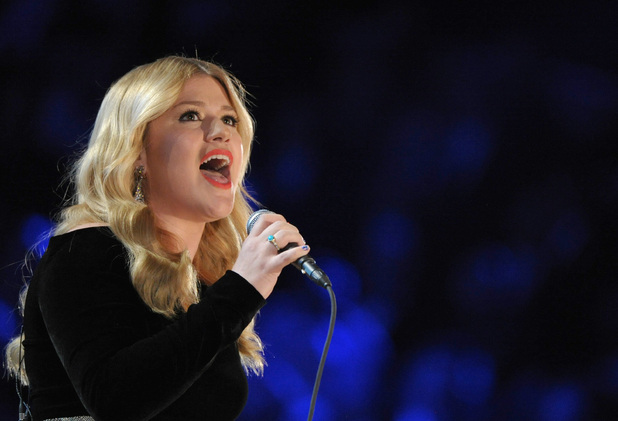 Kelly Clarkson at the Grammy Awards 2013