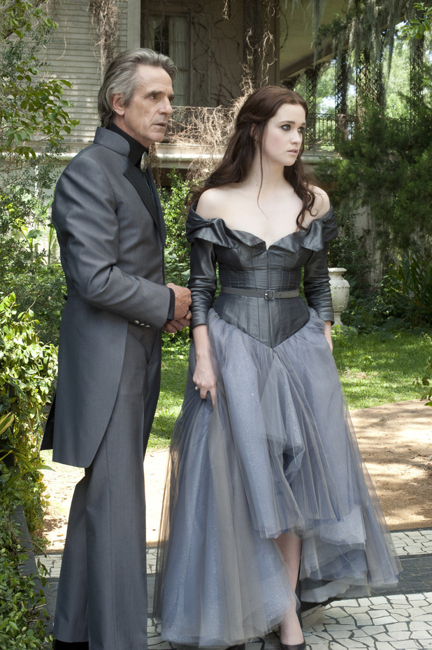 Jeremy Irons, Alice Englert, Beautiful Creatures