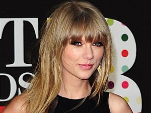 Taylor Swift arriving for the 2013 Brit Awards at the O2 Arena, London