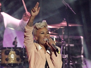 Emeli Sande closing the Brit Awards 2013 with hits &#39;Clown&#39; and &#39;Next to Me&#39;