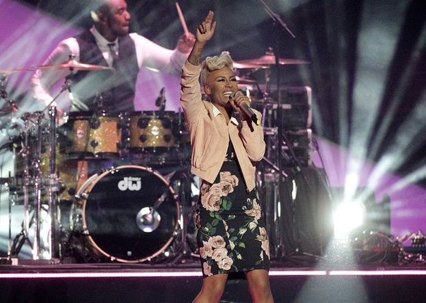 Emeli Sande closing the Brit Awards 2013 with hits 'Clown' and 'Next to Me'