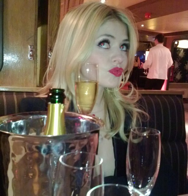 Holly Willoughby, twitter, Brits 2013