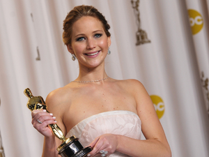Jennifer Lawrence with her 'Best Actress' Oscar for 'Silver Linings Playbook'