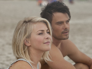 Julianne Hough, Josh Duhamel, Safe Haven