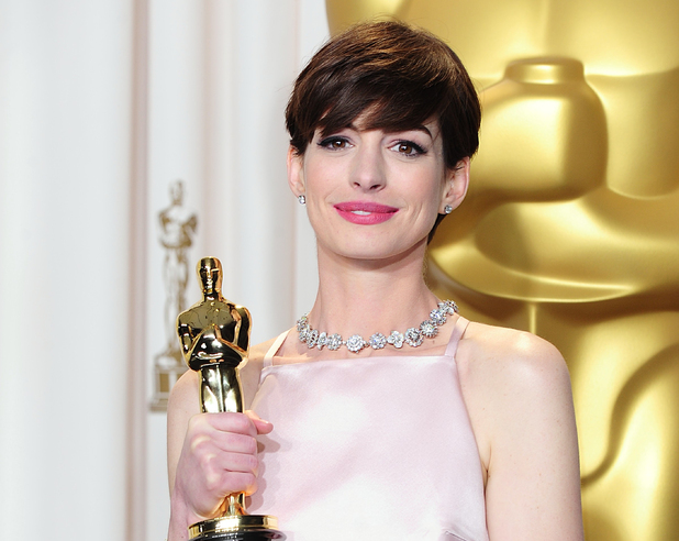 Anne Hathaway with her 'Best Supporting Actress' Oscar