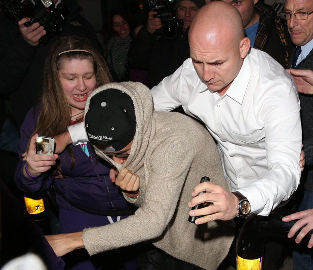 Justin Bieber 19th birthday mobbed