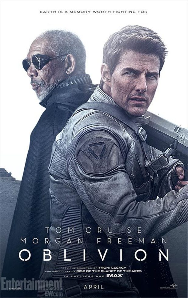 Tom Cruise and Morgan Freeman in 'Oblivion'.