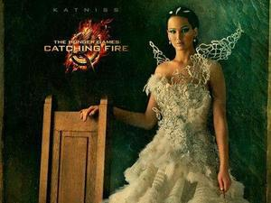 &#39;Hunger Games: Catching Fire&#39; Capitol portrait: Jennifer Lawrence as Katniss