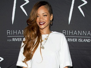 Miss Mode: Rihanna at clothing launch for River Island (taken from PR Shots)