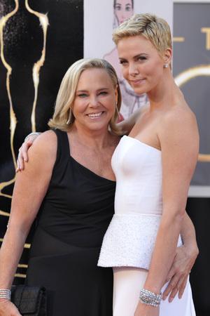 Charlize Theron, Gerda Jacoba Aletta Maritz, mum, Oscars 2013