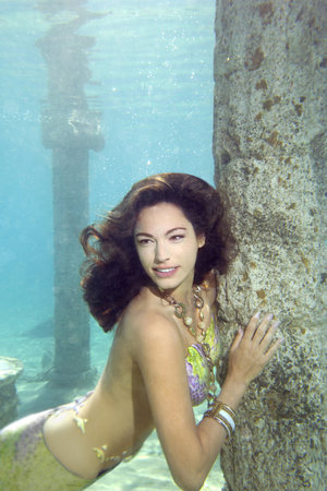 Kelly Brook in an underwater photoshoot for Candice and social enterprise fresh2o